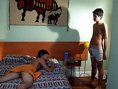 Showered gay boy gets his booty nailed on the bed