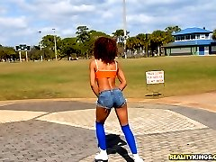 Super hot ass ebony babe roller skating by the beach gets picked up for some hot power fucking...