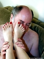 Licking the ladys feet