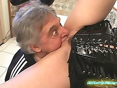 Good-sized Breasted domme. This has some nasty clips, including facefarting.