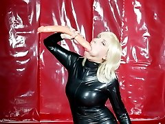Huge rubber dildo fits pussy
