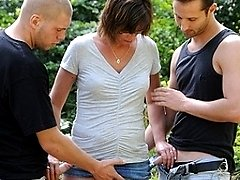 Hot housewife in outdoor threesome