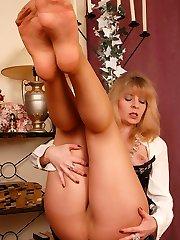 Angel in reinforced heel tan stocking
