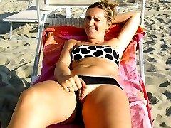 Amateur girls flashing their pussy on beach