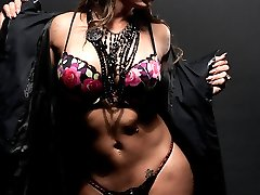 Beautiful Shemale with Nice Tits taking off her clothes