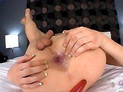 Sexy Jonelle fucking her juicy ass
