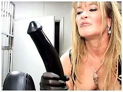 WindowGirl.com FREE SEX with Mistress Porsche Lynn doing the Amsterdam Boot Fuck