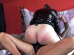 Strapon Jane gets her hands and big black strapon on this lovely big peachy bum