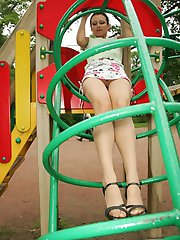 Unforgettable upskirt view from trimmed gal having fun