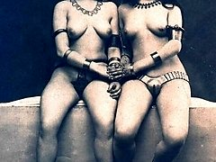 Naked retro ladies together