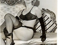 You'll like these warm retro pics with stylish blonde