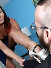 Helena Price Masturbated Man - Cougar and Mature Handjob Videos Over 40 Handjobs