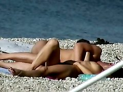 Excellent voyeur videos of naked beach girls and guys