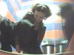Unsuspecting hotties unloaded watering in toilet