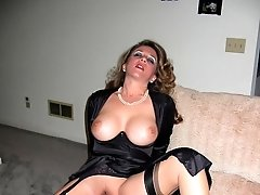A curvy girl in stockings gelery