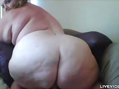 Bodacious plumper Nicole with huge butt