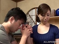 Hot mature Asian housewife likes getting posture 69