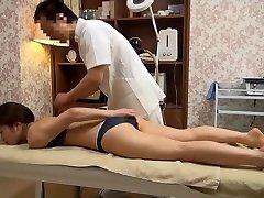 Sensible à la Femme Obtient Pervers de Massage (Censuré JAV)