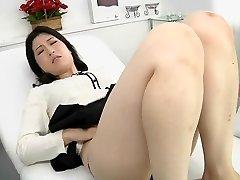 Japonais lesbiennes érotique cracher clinique de massage sous-titré