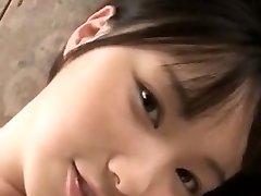 Sevimli Sıcak Asyalı Kızı Beceriyor