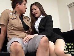 Hot Asiatiska Sekreterare Tar Fördel 1