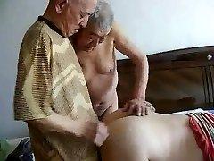 2 grands-pères baise papy