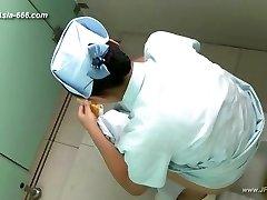 les filles chinoises aller aux toilettes.45