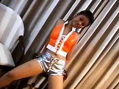 Hot Chicka Filipina Showcasing Her Cock-squeezing Butt