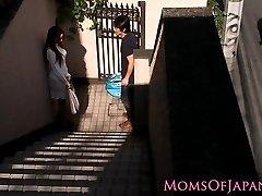 Japansk mamma fusk och blir knullade ansikte