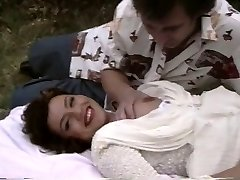 Retro porn flashes a plump chick getting boned outside