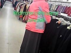 Milky Granny Upskirt