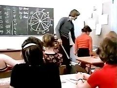 Lasse Chocolate-colored : Schoolgirla Education