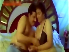 Hawt Indian Aunty try to satisfy her Customer in Hotel