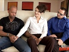 Jami Kennedy Gets Her Kidneys Pushed In By A Huge Black Cock