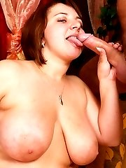 Big voluptuous babe gulps down cumload!