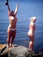 Chubby babes strip naked in the lake