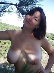 Wild chunky girlfriend posing naked outdoors