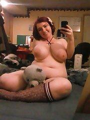 Wild amateur BBW poses naked while camwhoring