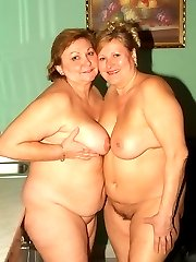 Mature lesbian plumpers Anna and Yolanda both get naked and enjoy a session of pussy licking