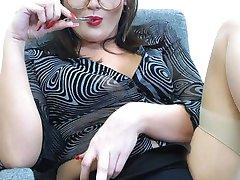 Cleo slut secretary in stockings