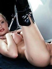 Leather boots blonde
