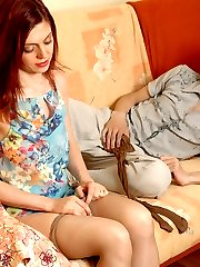 Redhead housewife doesn�t change her creamy pantyhose after harsh fucking