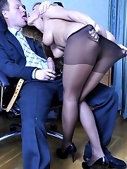 Dumb secretary cajoles her angry boss with a blowjob and raw pantyhose sex