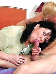 Fat mom teaches nubile blonde the art of blowjob and cockriding during a threesome sex lesson