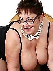 Big breasted mature slut squirting while masturbating