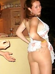 Pretty girls show upskirt knickers
