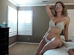 Mature inexperienced hot solo action