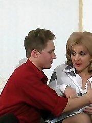 Appalling mature babe taking pride in seducing junior guy into sheer smash