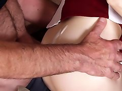 Sex-obsessed daddy romps young babe's pinkie
