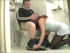 Young babe fucks with a horny old guy who loves doing some kinky and nasty stuff with chicks